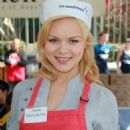 Anya Monzikova - Volunteering At The Los Angeles Mission During Easter On April 2, 2010 - 454 x 713