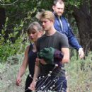 Taylor Swift and Joe Alwyn – Enjoy a scenic hike in Malibu - 454 x 635