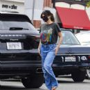 Idina Menzel – In loose jeans seen at Sweet Rose Creamery in Brentwood - 454 x 516