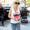 Christina Aguilera: Curly Cute in NYC