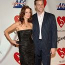 Doug Savant and Laura Leighton - 373 x 594