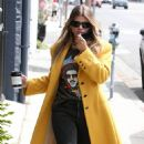 Sofia Richie – Wear T-shirt featuring her dad Lionel Richie in Los Angeles