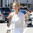 Kelly Rutherford was seen shopping in Beverly Hills. California on March 24, 2017 - 454 x 600