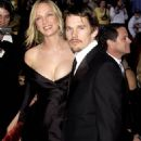Uma Thurman and Ethan Hawke At The 74th Annual Academy Awards - Arrivals (2002) - 454 x 681
