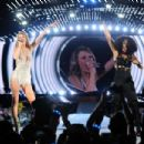 Taylor Swift The 1989 World Tour In Chicago