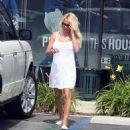 Pamela Anderson - Malibu Candids, 11.05.2008.