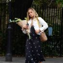 Amelia Windsor – Pictured with bouquet of flowers while out in London - 454 x 554