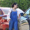 Mila Kunis – Seen Out in Los Angeles - 454 x 681