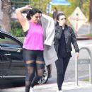 Selena Gomez – Grabs a morning coffee in Los Angeles - 454 x 478