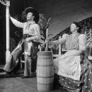 OKLAHOMA! ALFRED DRAKE, BETTY GRADE,1943 BROADWAY CAST