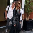 Cindy Crawford – Leaving her hotel in New York - 454 x 597