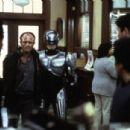 RoboCop - 454 x 305