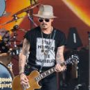 Johnny Depp is seen performing with his band Hollywood Vampires at 'Jimmy Kimmel Live' in Los Angeles, California on June 13, 2019 - 454 x 581