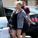 Jessica Simpson Makes Her Way Into A Local Gym June 30, 2010