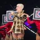 Katy Perry – Performs at 'Witness: The Tour' in Adelaide