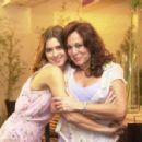 Carolina Dieckmann and Susana Vieira - Senhora do Destino (2004) - 454 x 298