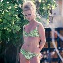 Faye Dunaway - 454 x 680