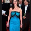 Catherine Zeta Jones At The 58th Annual Golden Globe Awards (2001) - 454 x 733