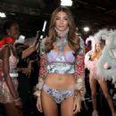 Lorena Rae – 2018 Victoria's Secret Fashion Show Runway in NY - 454 x 454