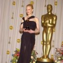Nicole Kidman At The 75th Annual Academy Awards (2003) - Press Room - 454 x 696