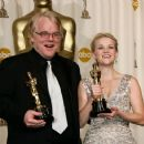 Philip Seymour Hoffman and Reese Witherspoon At The 78th Annual Academy Awards (2006) - Press Room - 454 x 374