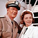 john wayne and patricia neal - 400 x 366