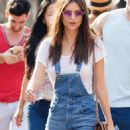 Emily Ratajkowski Out For Lunch At Bar Pitti In Ny