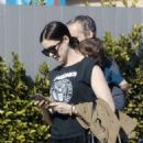 Anne Hathaway – Out with her family in Los Angeles - 454 x 606