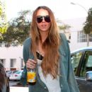 Lindsay Lohan Heads To A Hair Salon In Beverly Hills, 2009-03-27