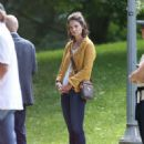 Katie Holmes – Filming 'The Gift' set in Montreal - 454 x 562