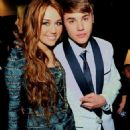 Miley Cyrus and Justin Bieber - 454 x 646