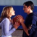 Martin Henderson and Piper Perabo