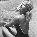 Mandy Rice-Davies - 433 x 532