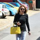 Geri Halliwell – In Jeans Out And About In Yattendon - 454 x 772