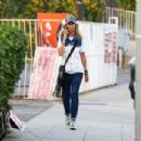 Lady Victoria Hervey – Spotted while she chats on the phone - 454 x 303