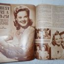 Sonja Henie - Silver Screen Magazine Pictorial [United States] (August 1942) - 454 x 341