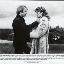 Karen Carlson, Chuck Norris - 454 x 369