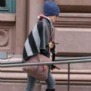 Rachel Weisz Autumn Street Style – New York 10/16/ 2016 - 454 x 681