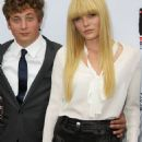 Jeremy Allen White and Emma Greenwell
