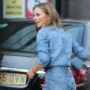 Geri Halliwell – Seen outside ITV Studios in London - 454 x 755