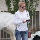 Kate Hudson – Leaving a medical spa in Brentwood