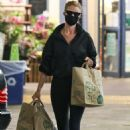 Rosie Huntinghton-Whiteley – Shops some groceries in Los Angeles