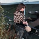 Liv Tyler is seen taking out boxes from her new house in Malibu - 454 x 749