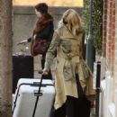 Holly Willoughby – Returns home in London - 454 x 565