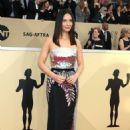 Olivia Munn – 2018 Screen Actors Guild Awards in Los Angeles - 454 x 681