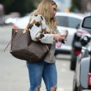 Hilary Duff – Out for coffee in Sherman Oaks - 454 x 681
