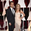 Justin Theroux and Jennifer Aniston At The 87th Annual Academy Awards (2015) - 399 x 600