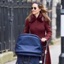 Pippa Middleton – Walking on the old Brompton road near earls court in London - 454 x 710