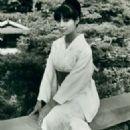 Akiko Wakabayashi - 324 x 438