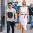 Joe Jonas and Gigi Hadid - 454 x 588